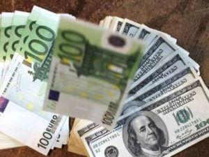 Курсы доллара, евро и рубля в Армении повысились