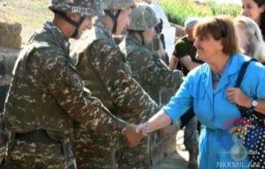 Баронесса Кэролайн Кокс посетила боевые позиции Армии обороны Карабаха