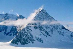 В Антарктиде нашли древние пирамиды