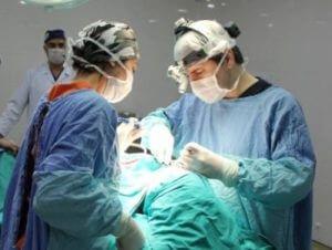 В Баку провели операцию по смене пола