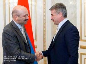 Премьер Армении принял председателя банка ВТБ 24