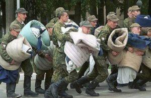 Российских призывников заманивают в ловушку и сдают в военкоматы
