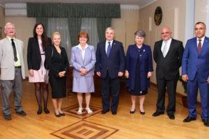 Баронесса Кокс обещает продолжать помощь народу Карабаха