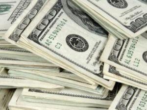 Курс доллара в Армении незначительно понизился