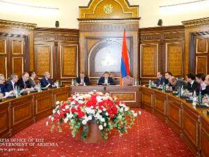 Премьер Армении принял представителей ИТ-отрасли