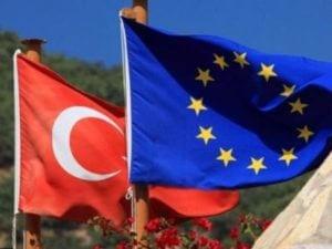 Турция настаивает на выполнении ЕС обещаний по безвизовому режиму