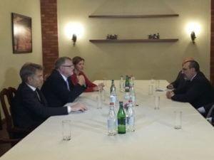 В Ереване проходит встреча спецпредставителя ЕС по Южному Кавказу с главой МИД Нагорного Карабаха