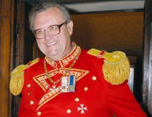В Ереван прибыл Принц и Великий магистр Суверенного военного ордена Мальты Фра Мэтью Фестинг