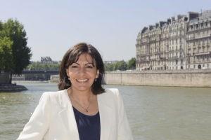 Мэр Парижа прибывает в Ереван