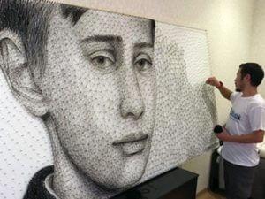 Киргизский художник сделал портрет Путина из гвоздей и шерсти