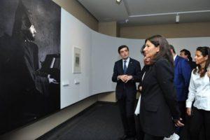 Мэр Парижа посетила Музей-институт Комитаса