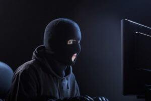 Просим срочно изменить пароли в Facebook