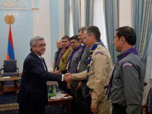 Саргсян принял делегацию Всемирного скаутского движения