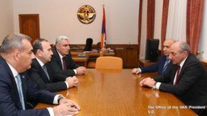 Вопросы образования в двух армянских республиках