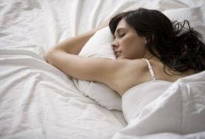 Ученые поведали, что женщинам нужно дольше спать, чем мужчинам