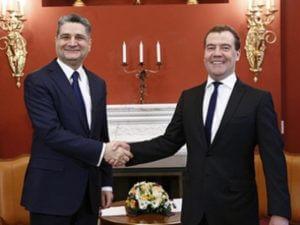 Медведев обсудил с главой Коллегии ЕЭК Саркисяном подготовку к межправсовету ЕАЭС