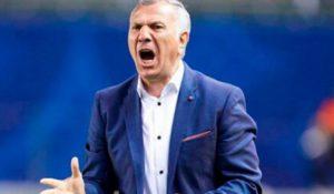 Тренер сборной Армении по футболу подал в отставку