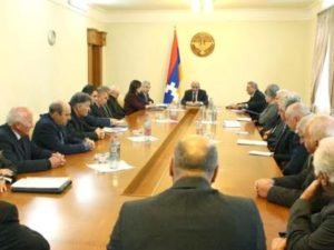 Президент Арцаха начал консультации по проекту новой Конституции