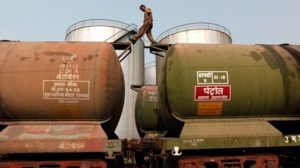Иран планирует отказаться от импорта бензина впервые за 36 лет