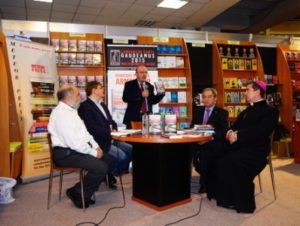 В Бухаресте состоялась презентация книги Микаэля Хеземана «Геноцид армян»