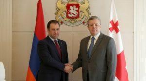 Министр обороны Армении встретился с премьер-министром Грузии