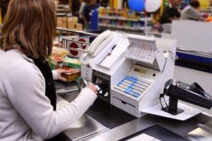 Малым торговцам отсрочили прямую связь с налоговой до 2018 года
