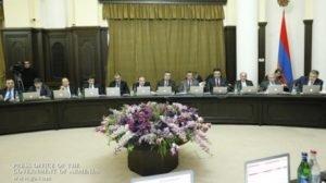Премьер-министр хочет обеспечить финансовое и экономическое образование в школе