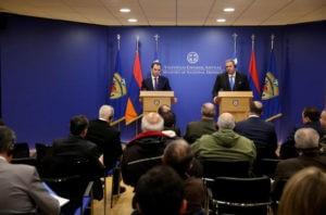 Министры обороны Армении и Греции обсудили вопросы двустороннего сотрудничества
