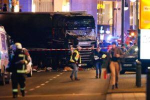 Число погибших на ярмарке в Берлине увеличилось до девяти человек
