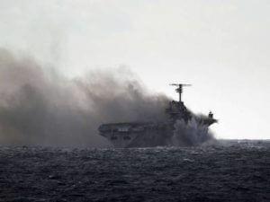 В Индии опрокинулся ракетный фрегат