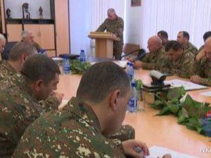 В Армии обороны Арцаха состоялось служебное совещание