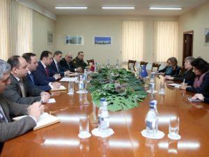 Министр обороны Армении и заместитель генерального секретаря НАТО обсудили вопросы сотрудничества