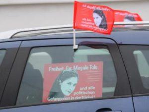 Суд Стамбула освободил немецкую журналистку Мешале Толу, но запретил покидать пределы Турции