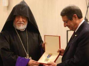 Католикос Великого дома Киликийского вручил орден президенту Кипра