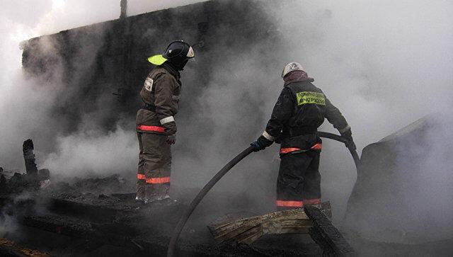 ВРостовской области устанавливают обстоятельства погибели женщины и 2-х детей впожаре