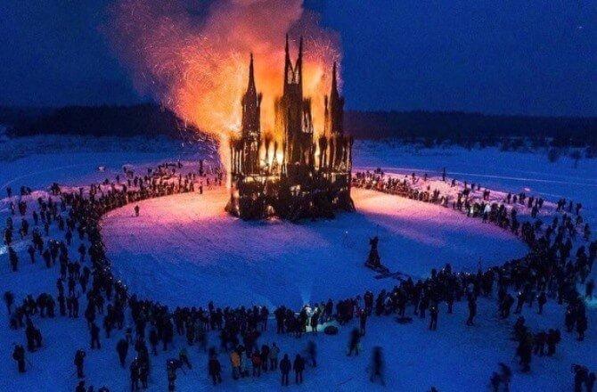 «Пламенеющая готика»