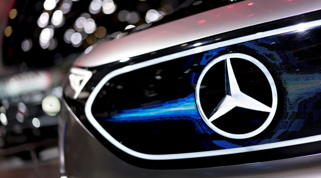 Китайский производитель автомобилей Geely приобрел 9,69% акций компании DaimlerAG