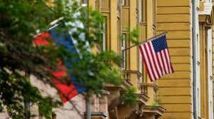 Россия высылает 60 американских дипломатов и закрывает генконсульство США в Питере