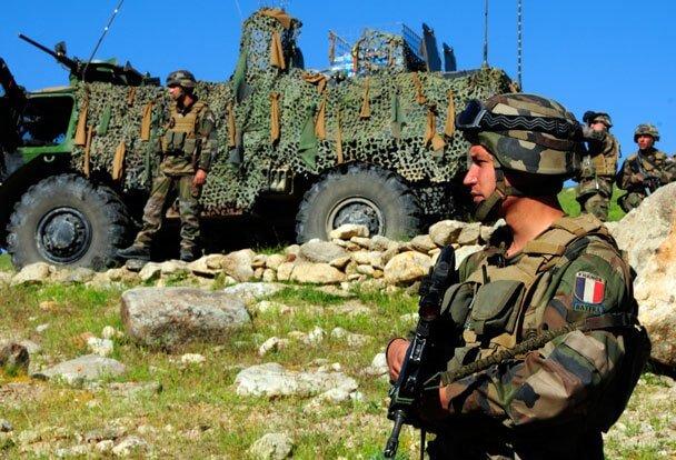 Франция направит войска для помощи курдскому ополчению вСирии