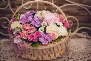 Цветочный сюрприз с доставкой на дом