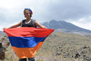 Премьер-министр Армении уволил жену Левона Ароняна