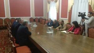 В НС Армении проходит встреча Никола Пашиняна с российскими депутатами