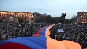 В Ереване на площади Республики стартовал митинг движения «Мой шаг»
