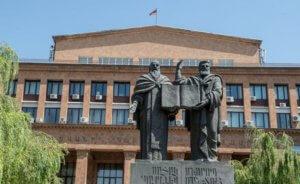 Поняв, что Пашинян будет лидером страны, ЕГУ вдруг решил выдать ему невыданный 23 года назад диплом