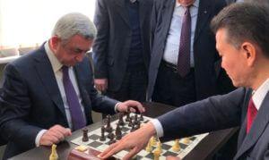 Саргсян поздравил Илюмжинова с днем рождения
