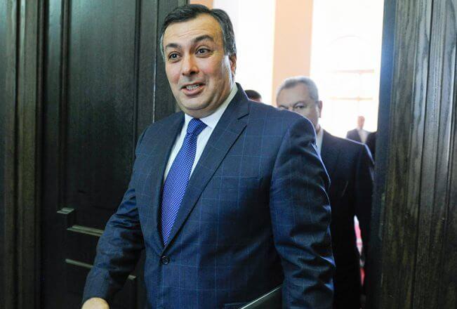 Министр культуры Армении ответил натребования приверженцев оппозиции отставкой