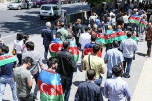 В Азербайджане арестованы участники праздничного шествия