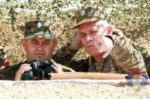 Глава Генштаба ВС Армении в Карабахе побывал на передовой