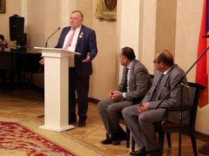 Шаварш Карапетян удостоен медали «Крест Славы Ной» МЧС Армении