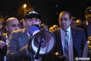 Никол Пашинян: Призываю всех жителей Армении выйти на улицы своих городов